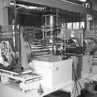 Synchrotron Radiation Research UHV Chamber